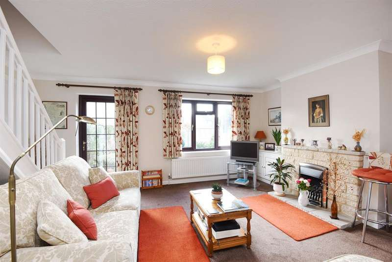 3 Bedrooms Detached House for sale in Chetwynd Mead, Bampton, OX18 2BL