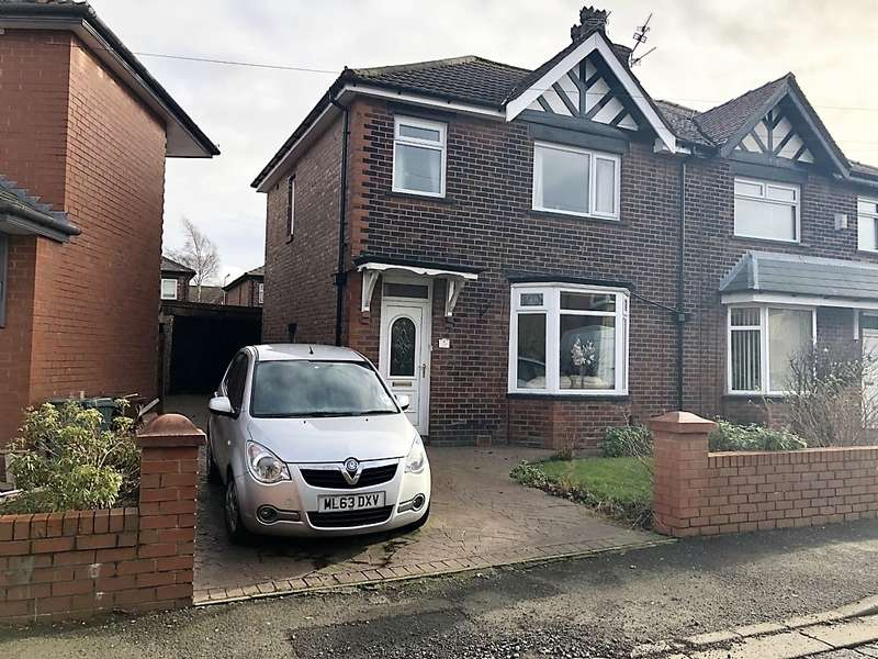 3 Bedrooms Semi Detached House for sale in Hillside Ave Whitefield Manchester