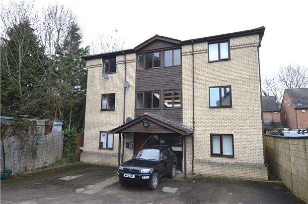 Studio Flat for sale in Millbrook Street, CHELTENHAM, Gloucestershire, GL50 3RR