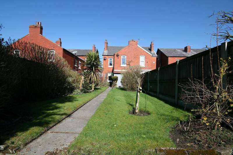 4 Bedrooms Semi Detached House for sale in Chester Road, Churchtown, Southport, PR9 7HD