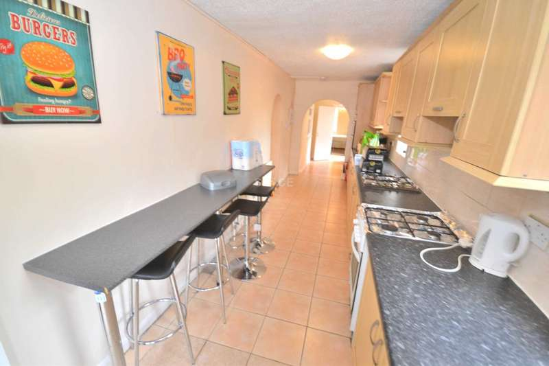7 Bedrooms Semi Detached House for rent in Amity Street, Reading, Berkshire, RG1 3LP