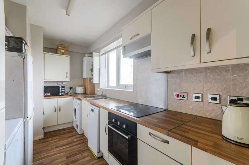 3 Bedrooms Flat for sale in Tulse Hill, Brixton, SW2