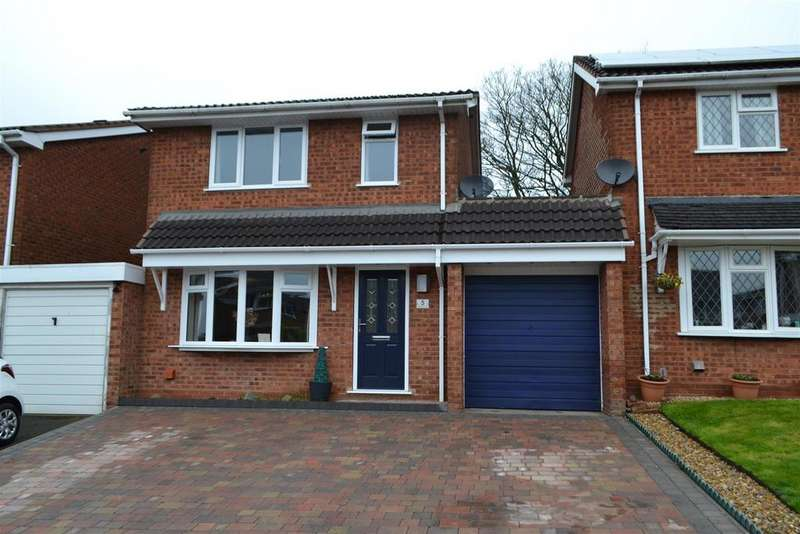 3 Bedrooms Detached House for sale in Denbury Close, Cannock