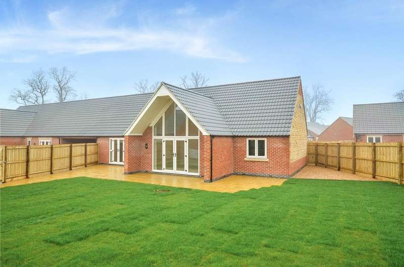 3 Bedrooms Bungalow for sale in Mere Road, Waltham on the Wolds, Melton Mowbray