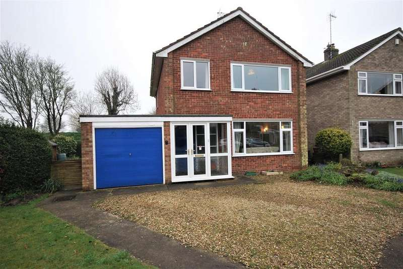 3 Bedrooms Detached House for sale in Churchill Drive, Spalding