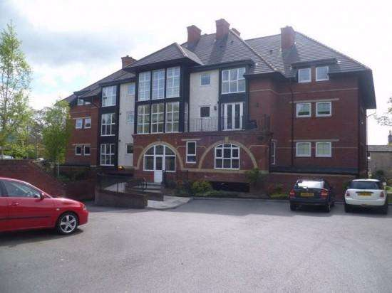 2 Bedrooms Apartment Flat for rent in 11 Park Lodge, Beardwood