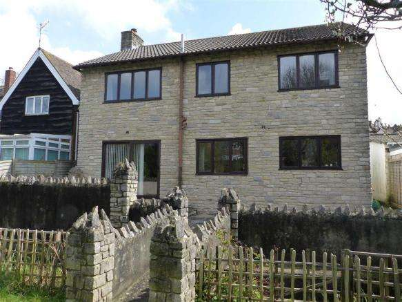 4 Bedrooms Property for sale in Preston Road, Weymouth, Dorset