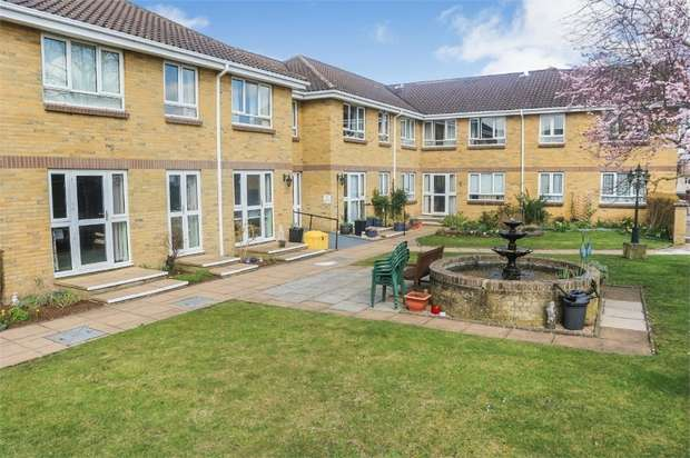 1 Bedroom Flat for sale in 87 Clayton Road, Chessington, Surrey