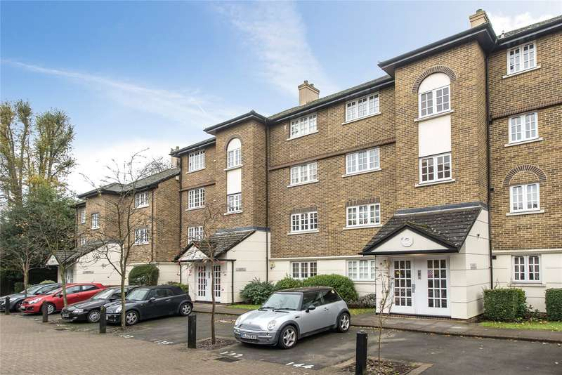 2 Bedrooms Flat for sale in Selhurst Close, Southfields, London, SW19