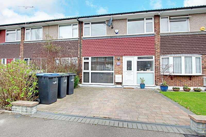 3 Bedrooms Property for sale in Acorn Close, Enfield