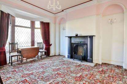 4 Bedrooms Terraced House for sale in Albert Road, Colne, Lancashire, ., BB8