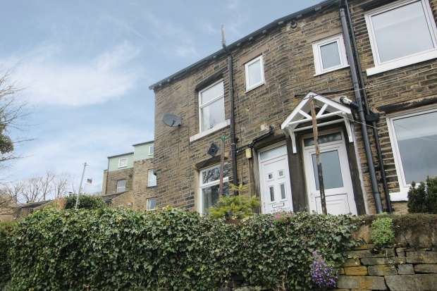 1 Bedroom Property for sale in The Scarr, Halifax, West Yorkshire, HX3 0TG