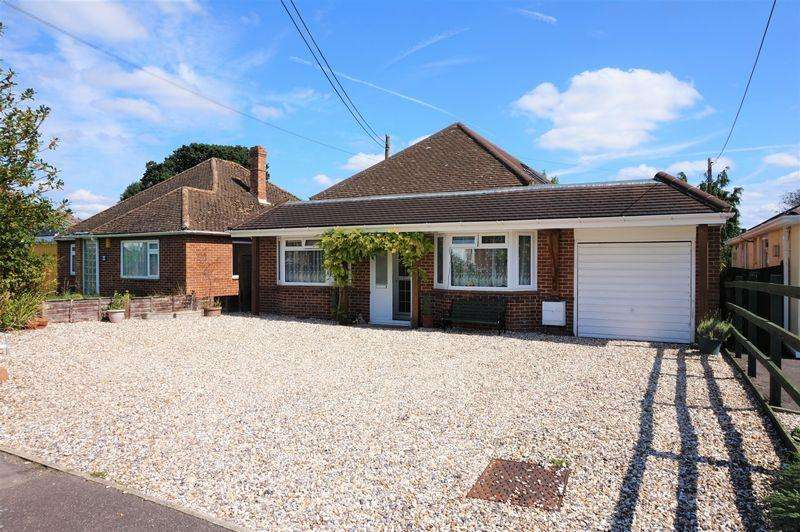 4 Bedrooms Detached House for sale in Elmhurst Road, Thatcham