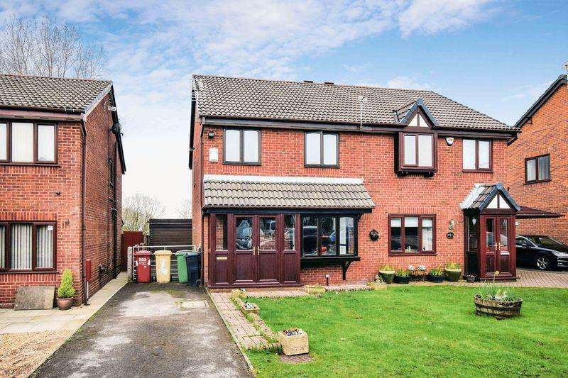 3 Bedrooms Semi Detached House for sale in Templecombe Drive, Sharples