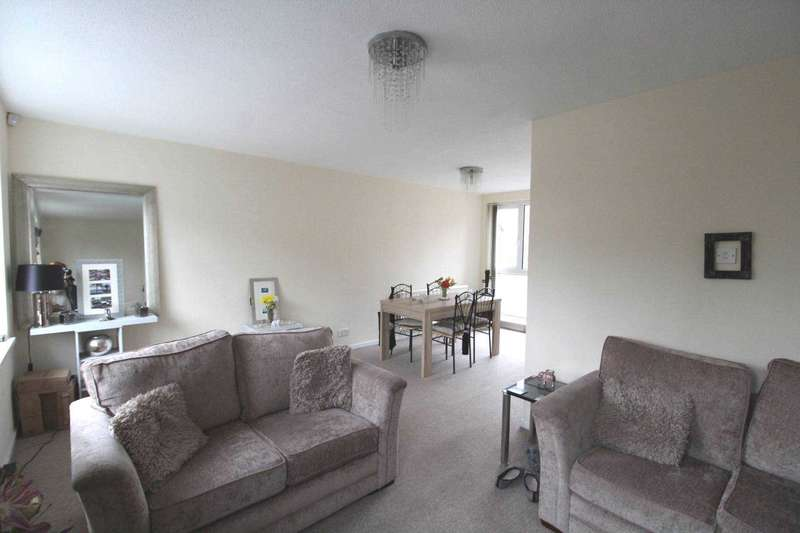4 Bedrooms Town House for sale in Bury Old Road, Prestwich