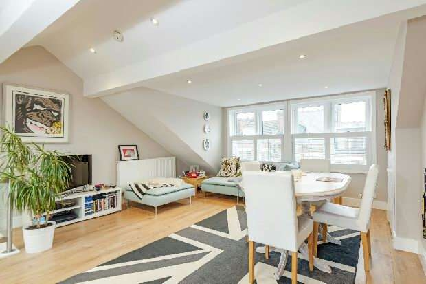 3 Bedrooms Flat for sale in Carlingford Road, Hampstead Village, NW3