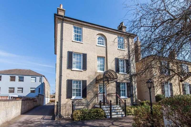 2 Bedrooms Apartment Flat for sale in Hills Road, Cambridge