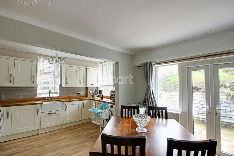 3 Bedrooms Semi Detached House for sale in Stunning Family Home In Cutenhoe Road
