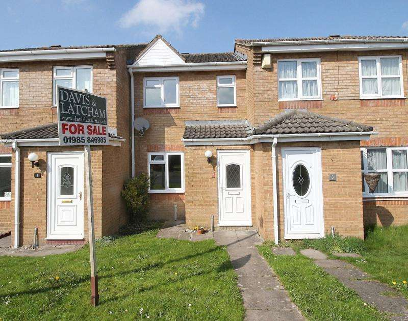 2 Bedrooms Terraced House for sale in Blenheim Close, Warminster, BA12
