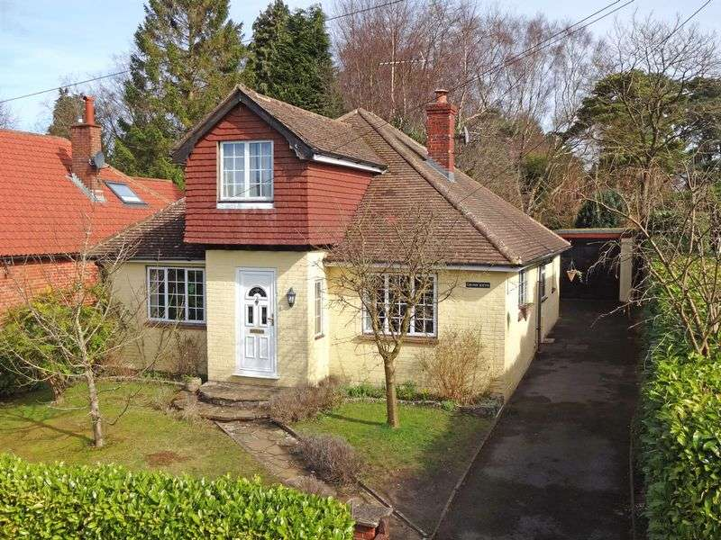 4 Bedrooms Property for sale in Sandheath Road Beacon Hill, Hindhead