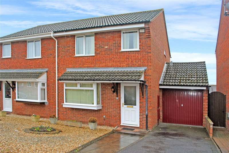 3 Bedrooms Semi Detached House for sale in Calder Crescent, Taunton, Somerset, TA1