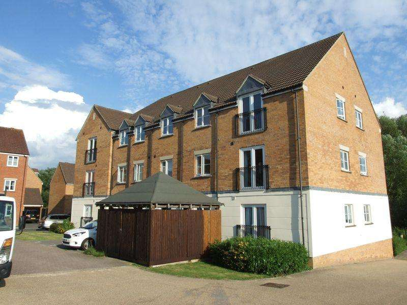 2 Bedrooms Apartment Flat for sale in Blease Close, Staverton
