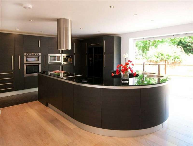 4 Bedrooms Detached House for sale in Charlton Kings, Gloucestershire