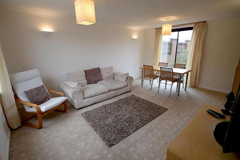3 Bedrooms Terraced House for sale in Stephens Walk, Lichfield