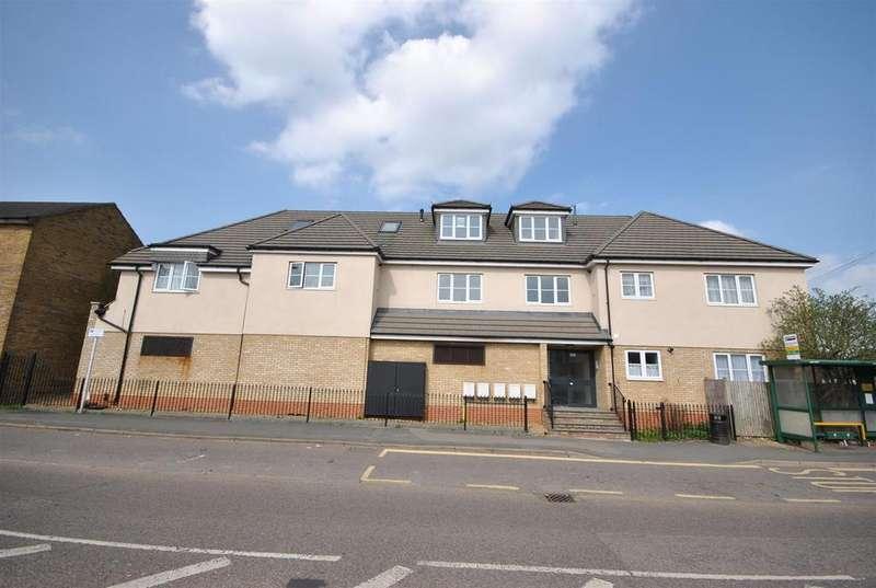 3 Bedrooms Flat for sale in Goffs Lane, Goffs Oak, Waltham Cross