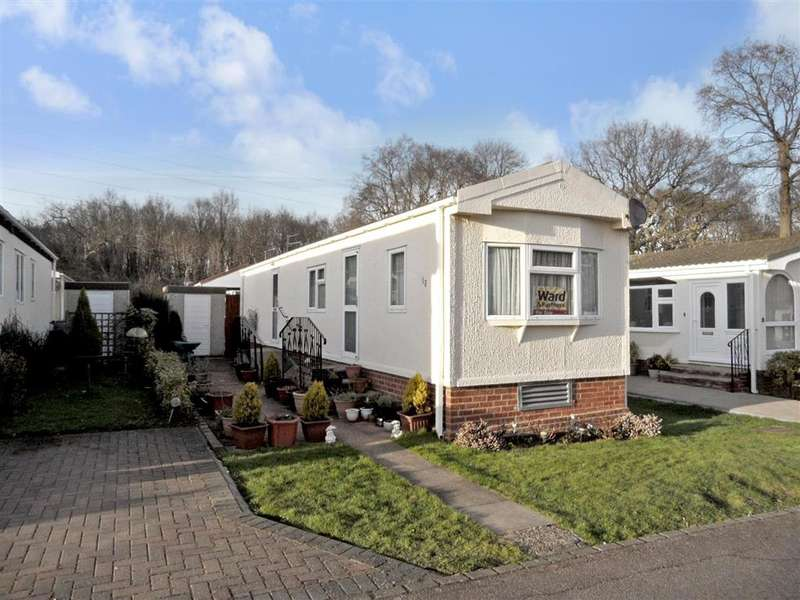 2 Bedrooms Park Home Mobile Home for sale in Bluebell Woods Park, , Broad Oak, Canterbury, Kent