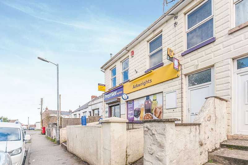 3 Bedrooms Flat for sale in Park Road, Camborne, TR14