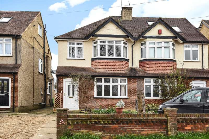 3 Bedrooms Semi Detached House for sale in Coldharbour Lane, Bushey, WD23