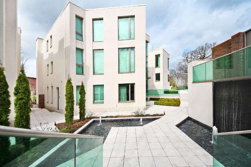 5 Bedrooms House for sale in West Heath Road, Hampstead, NW3