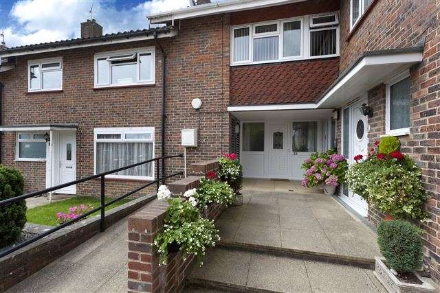 1 Bedroom Maisonette Flat for sale in Hawkins Road, Tilgate, Crawley