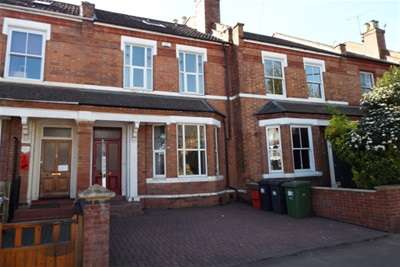 3 Bedrooms Terraced House for rent in Radford Road, Leamington Spa