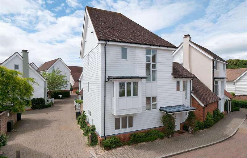 4 Bedrooms Detached House for sale in Milton Lane, Kings Hill, ME19 4HP