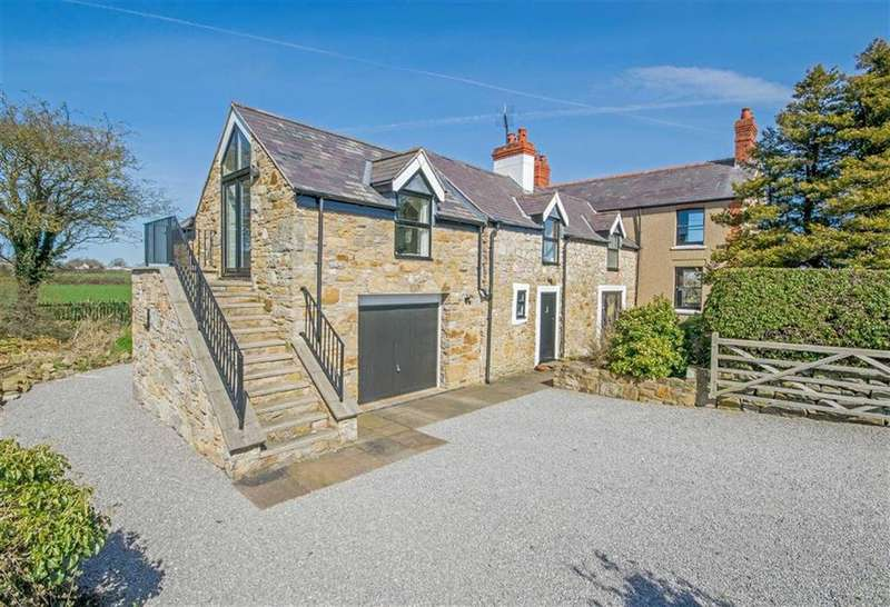 4 Bedrooms Detached House for sale in Cefn Eurgain Lane, Rhosesmor, Mold