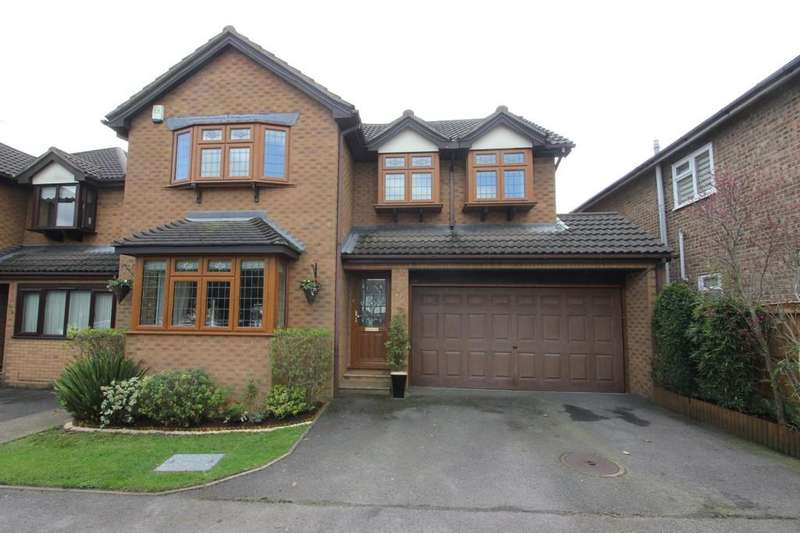 4 Bedrooms Detached House for sale in Main Road, Hawkwell