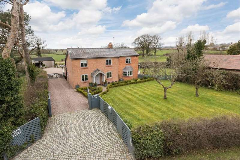 4 Bedrooms Detached House for sale in Rose Cottage, Huxley, CH3 9BG