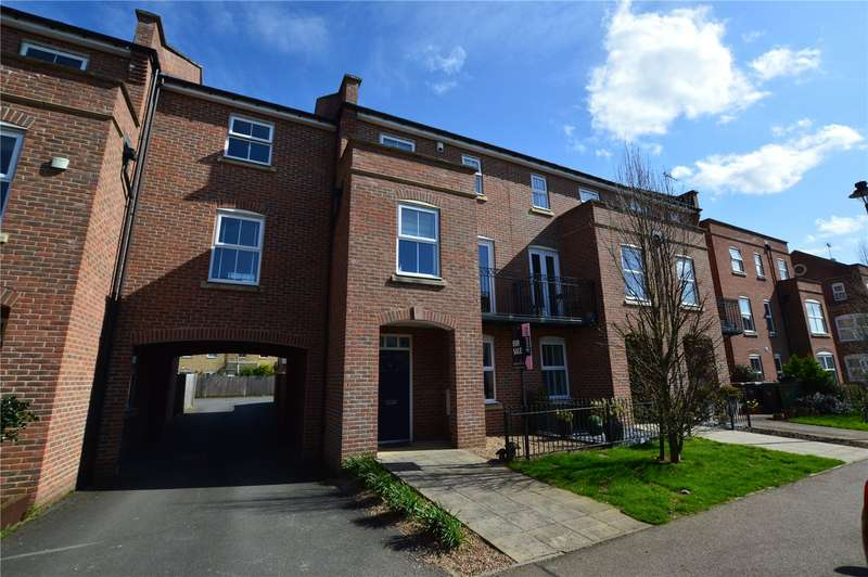 3 Bedrooms Semi Detached House for sale in Stansted