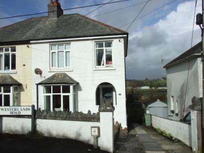 3 Bedrooms Semi Detached House for sale in Wadebridge, Cornwall, Uk