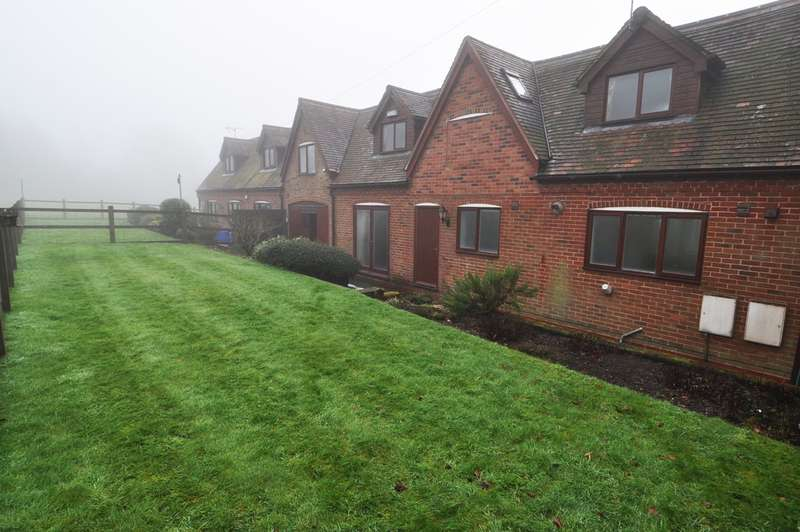 2 Bedrooms Barn Conversion Character Property for rent in Old Birmingham Road, Marlbrook, Bromsgrove, B60