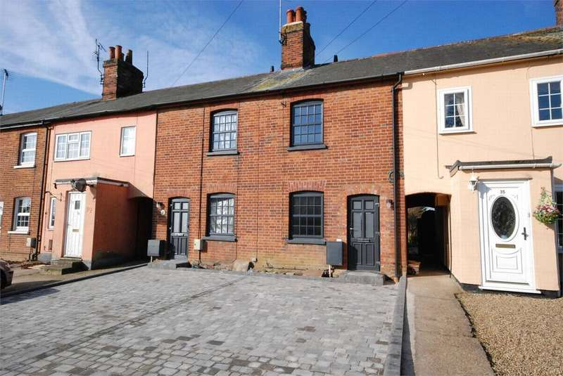 2 Bedrooms Terraced House for rent in Tilkey Road, Coggeshall, Colchester, Essex