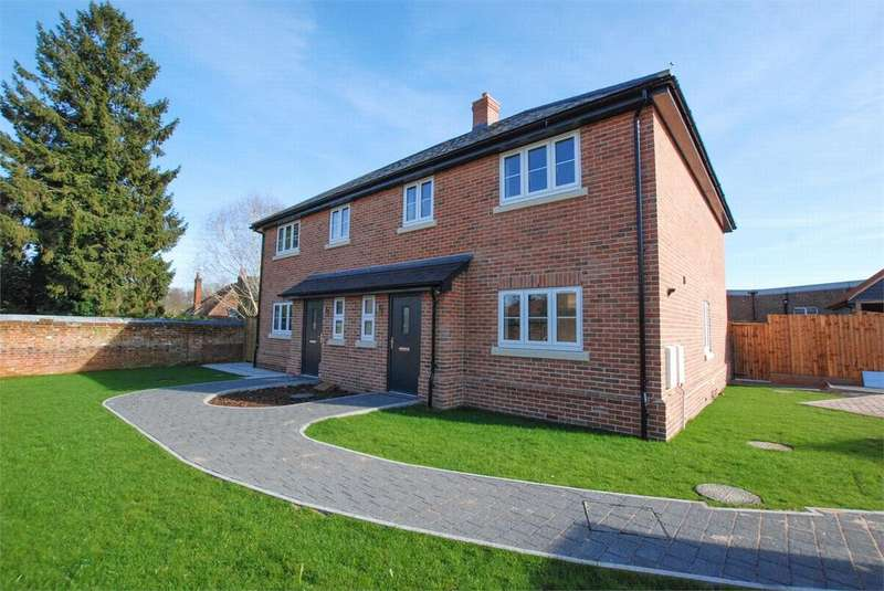 3 Bedrooms Semi Detached House for sale in Tundra Close, Sible Hedingham, Essex
