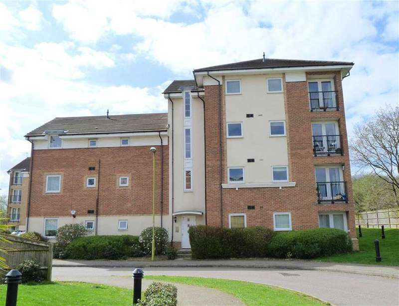 2 Bedrooms Flat for sale in Chequers Field, Welwyn Garden City