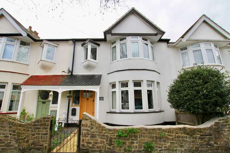 3 Bedrooms Terraced House for sale in Victoria Drive, Leigh-On-Sea