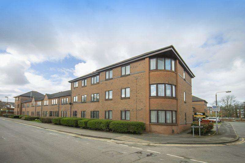 2 Bedrooms Apartment Flat for sale in Etruria Gardens, Chester Green