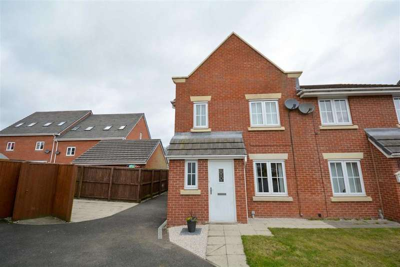 4 Bedrooms Semi Detached House for sale in Burbank Close, Winstanley, Wigan, WN3