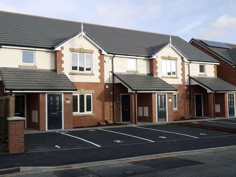 2 Bedrooms Property for rent in Trafalgar Mews, Bromborough Road, Bebington, Wirral, CH63 7RD