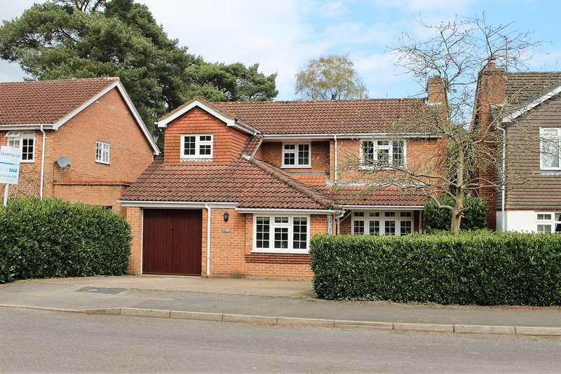 4 Bedrooms Detached House for sale in Watkins Close, Finchampstead RG40
